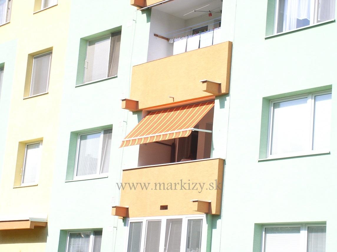 Markiza na balkon